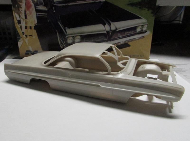 Moebius 1961 Pontiac Ventura  016-vi