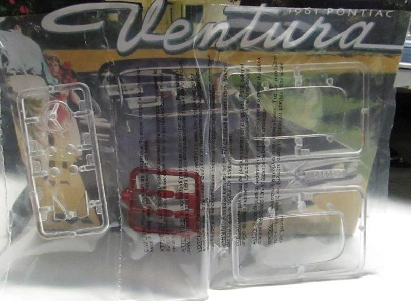 Moebius 1961 Pontiac Ventura  024-vi