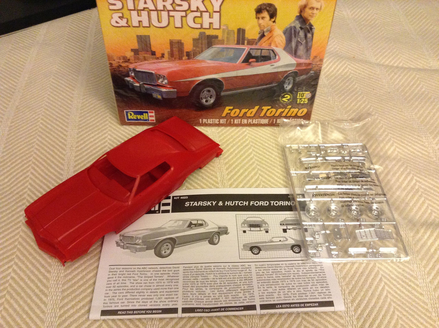 new model car kit releasesQuick Overview Revell Starsky  Hutch Torino  Car Kit News