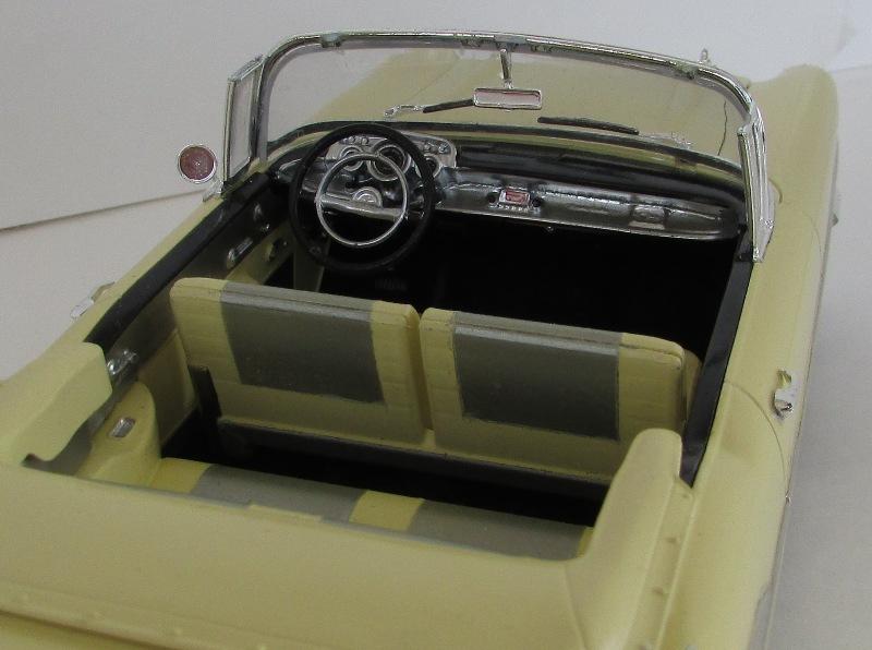 1957 Chevrolet Bel Air décapotable, Revell, terminé et Paul anka  048-vi