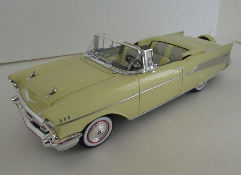 1957 Chevrolet Bel Air décapotable, Revell, terminé et Paul anka  052-vi