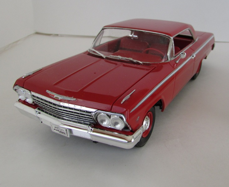 1962 Chevrolet Impala Revell terminé et les Beach boys 084-vi