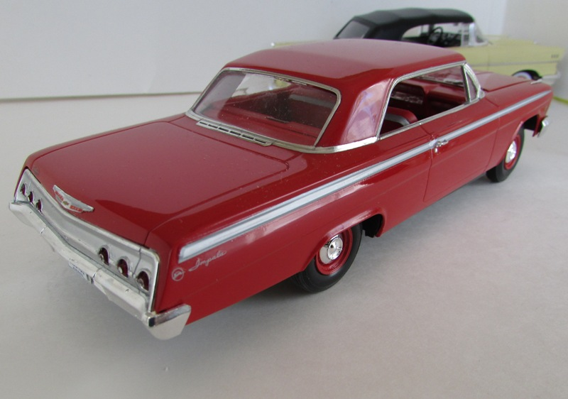 1962 Chevrolet Impala Revell terminé et les Beach boys 063-vi