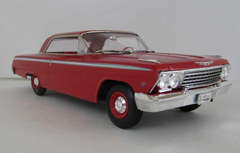 1962 Chevrolet Impala Revell terminé et les Beach boys 078-vi