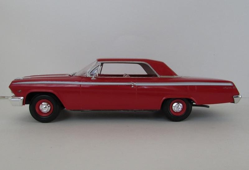 1962 Chevrolet Impala Revell terminé et les Beach boys 077-vi