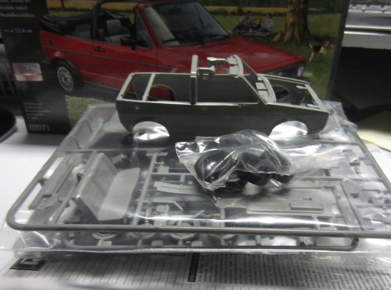 REVELL  Volkswagen Golf I  GTI et Cabriolet!  110-vi