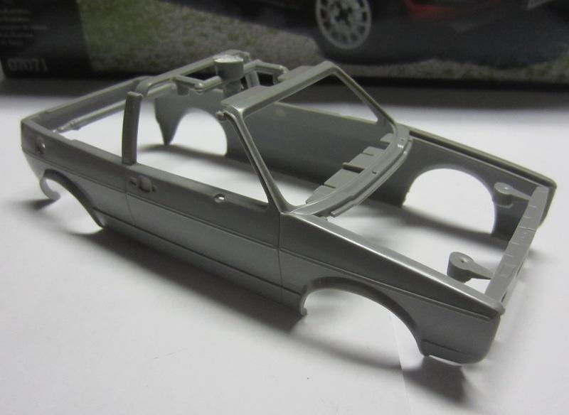 REVELL  Volkswagen Golf I  GTI et Cabriolet!  111-vi