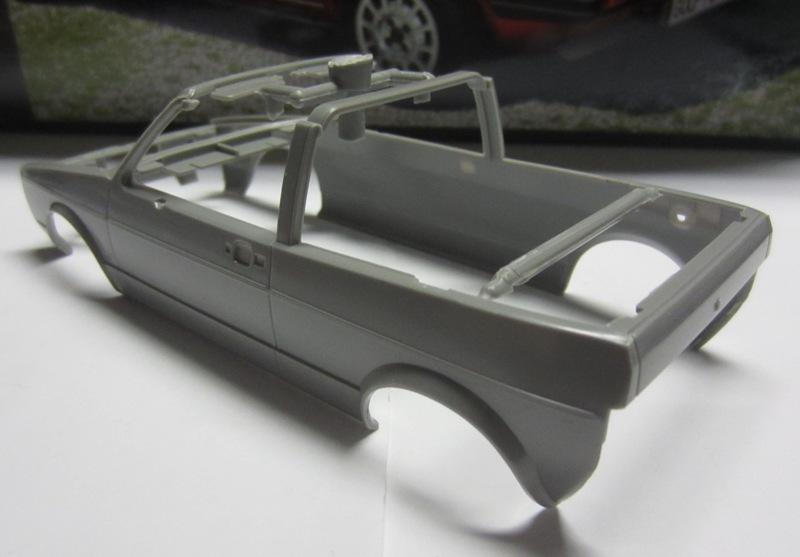 REVELL  Volkswagen Golf I  GTI et Cabriolet!  112-vi