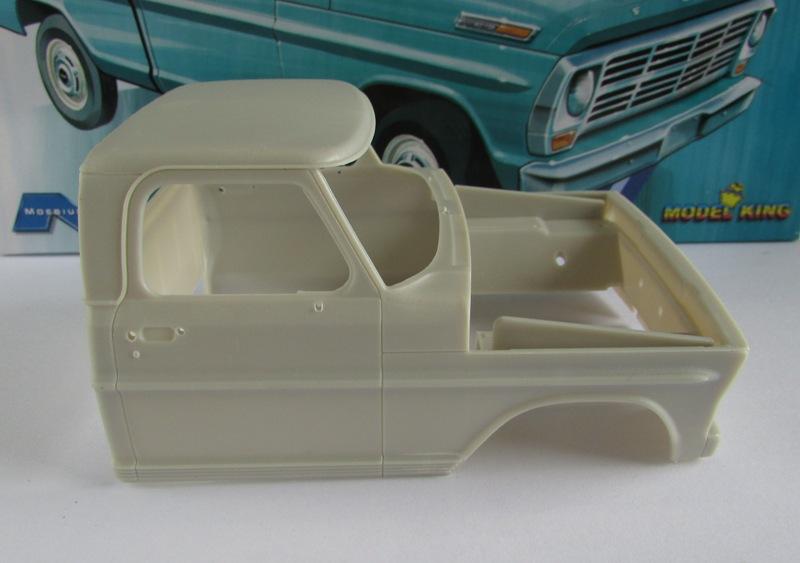 Moebius Ford F100 1969 et le Ford Ranger 1971 0872-vi