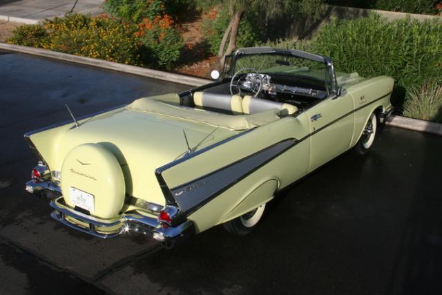 1957 Chevrolet Bel Air décapotable par Revell Fuelinjectionconvertible1957_4-vi