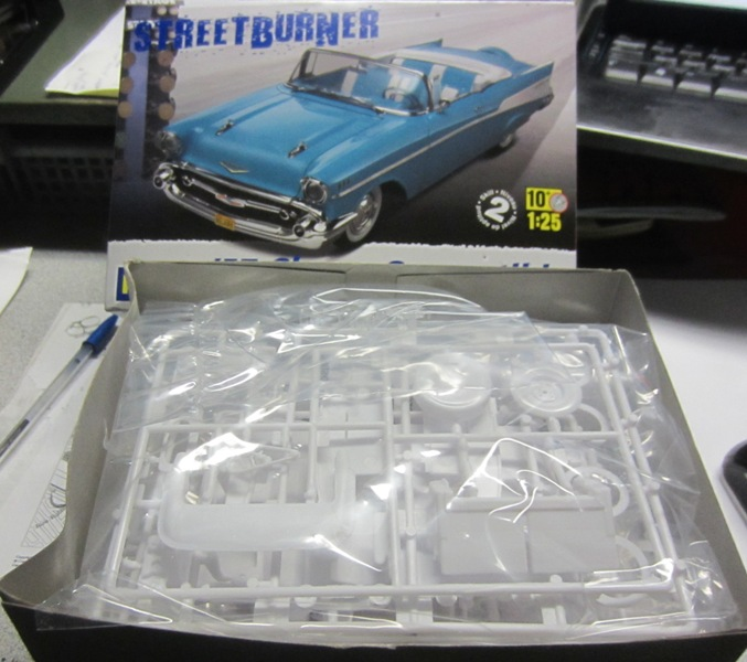 1957 Chevrolet Bel Air décapotable par Revell 058-vi