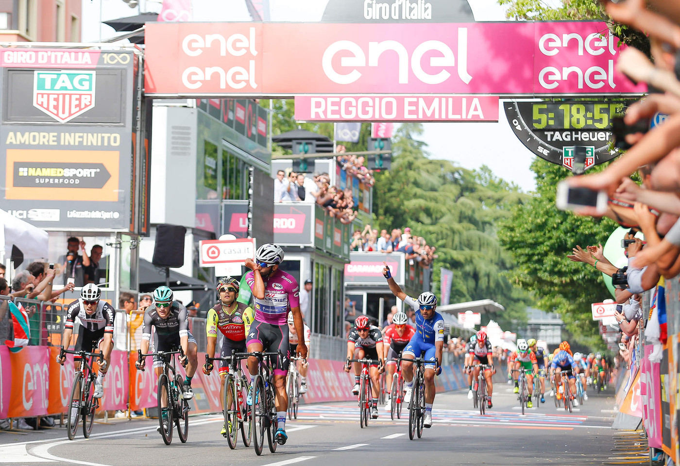 Gaviria secures third Giro stage win, Dumoulin retains pink jersey