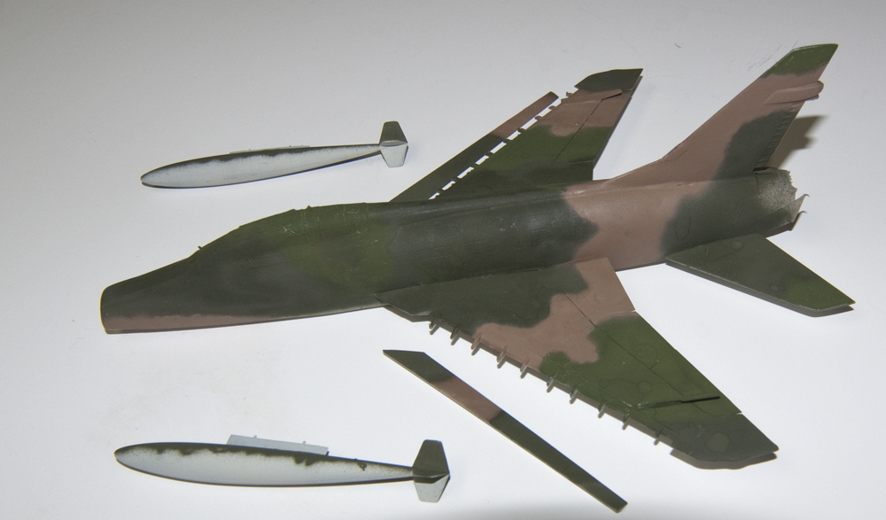 F100F031jpg-vi.jpg