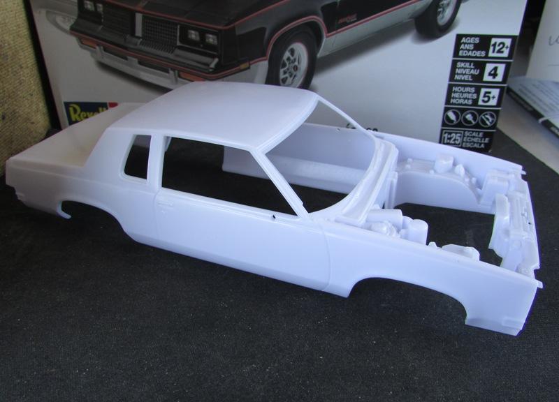 1983 Oldsmobile Hurst par Revell  008-vi