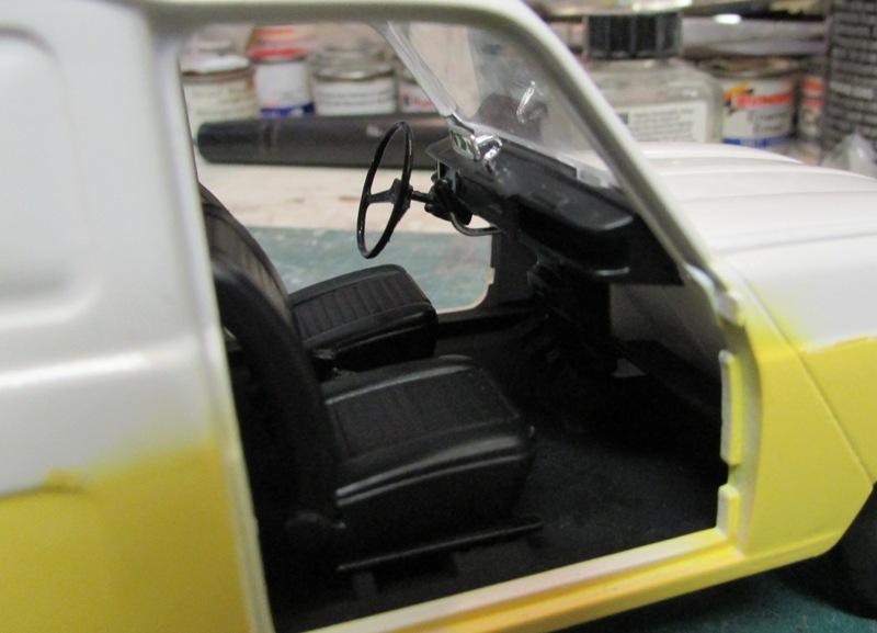 "Renault 4 fourgonnette ""Service Renault"" grosse avancé!  004-vi"