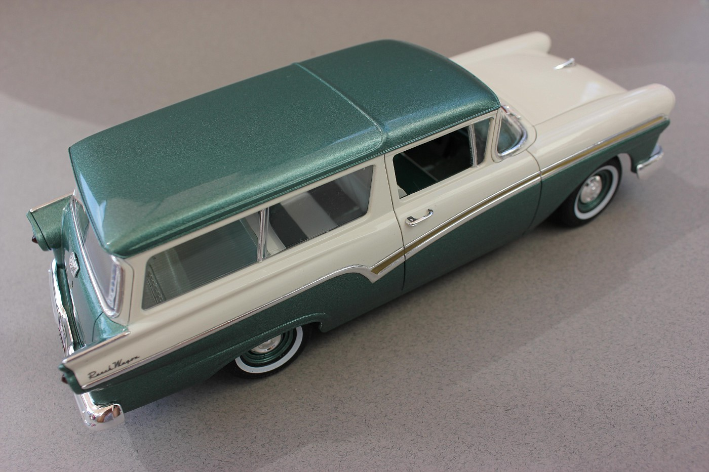 Revell 1957 Ford Del Rio Ranch Wagon - FineScale Modeler - Essential
