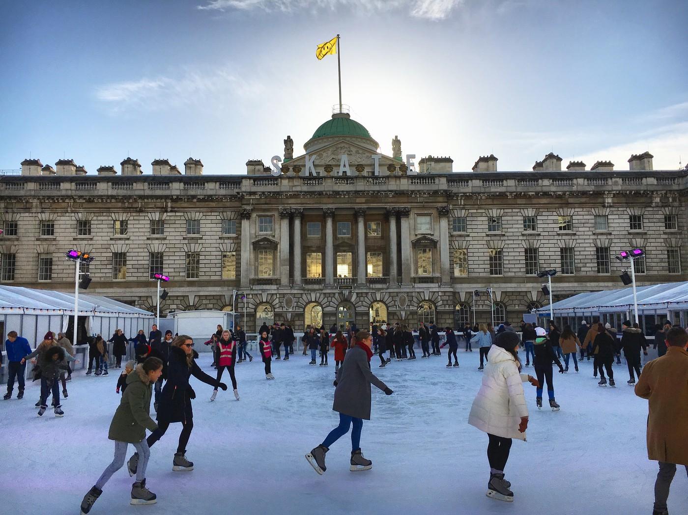 patinação no gelo na Somerset House