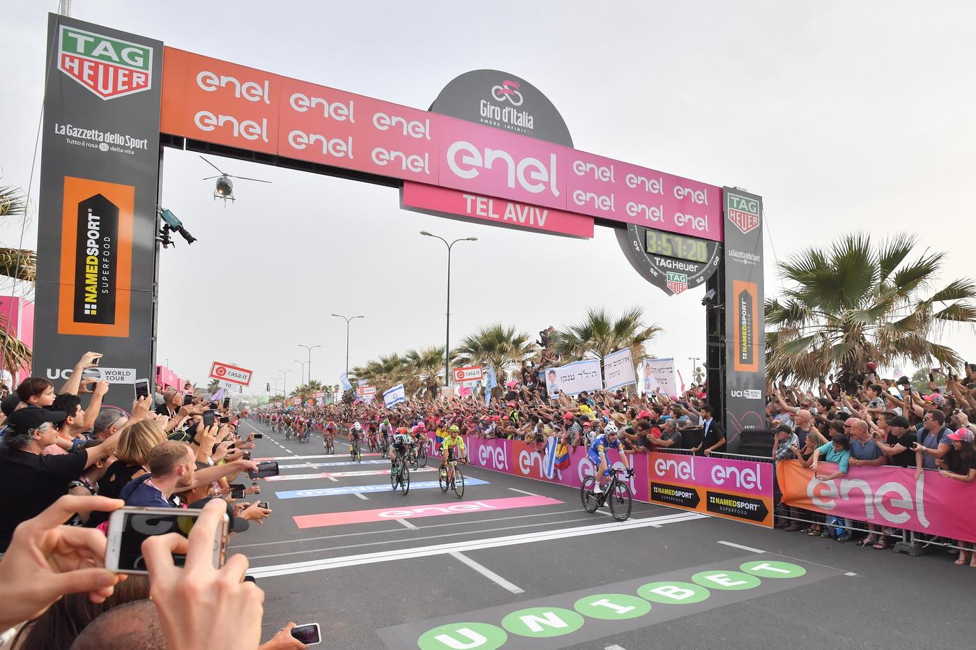 Viviani wins Stage 2
