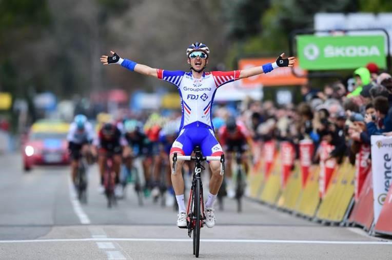 Molard wins Stage 6
