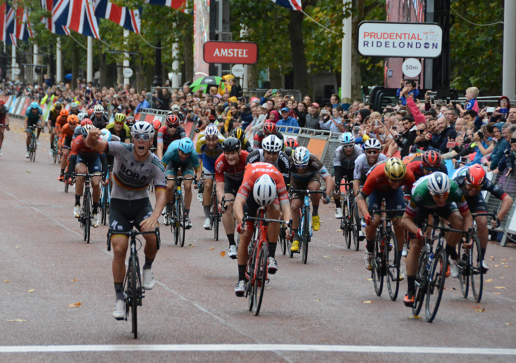 Prudential Ride London Classic, Ackermann takes win on the Mall