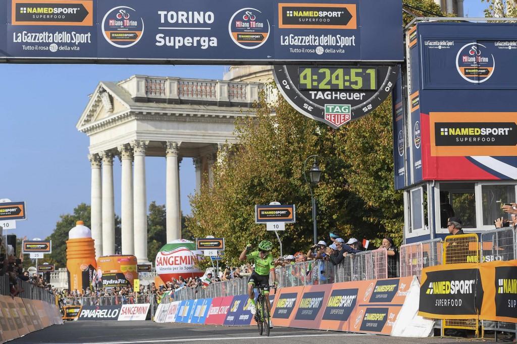 Rigoberto Uran wins solo on the Superga in Turin