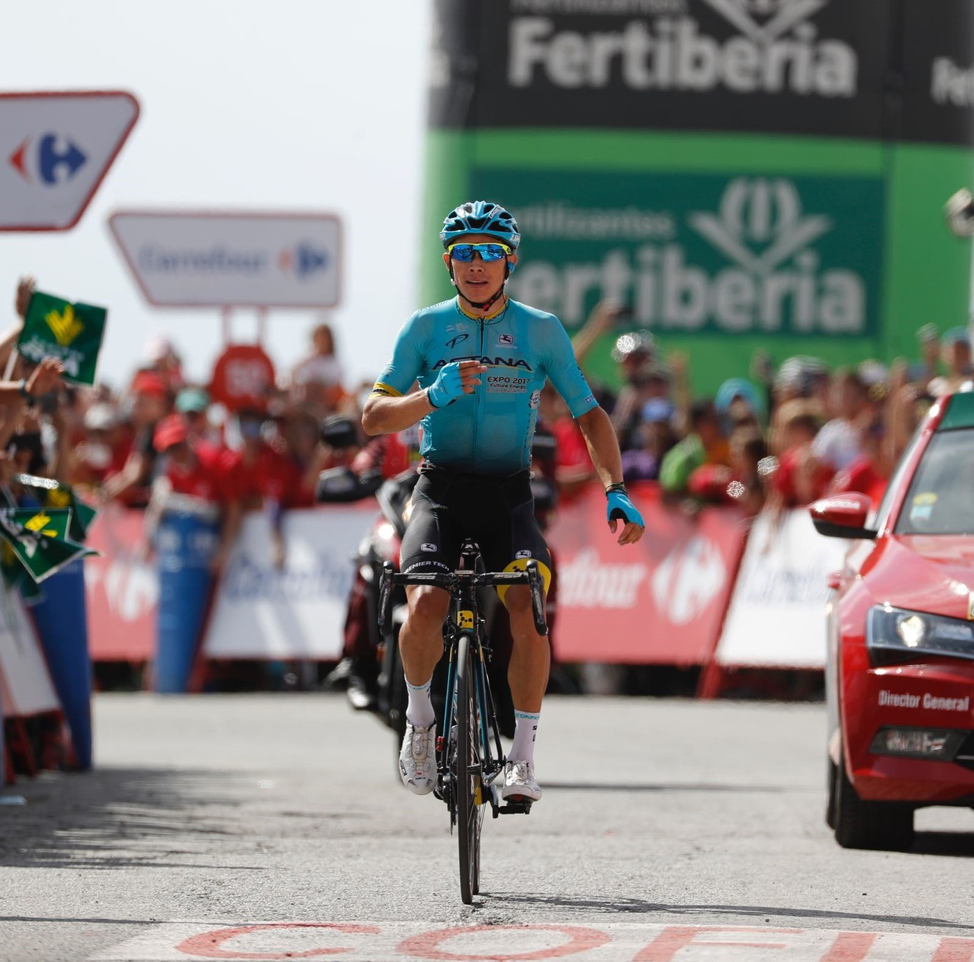 Miguel Angel Lopez wins 15th Vuelta stage, Froome keeps lead