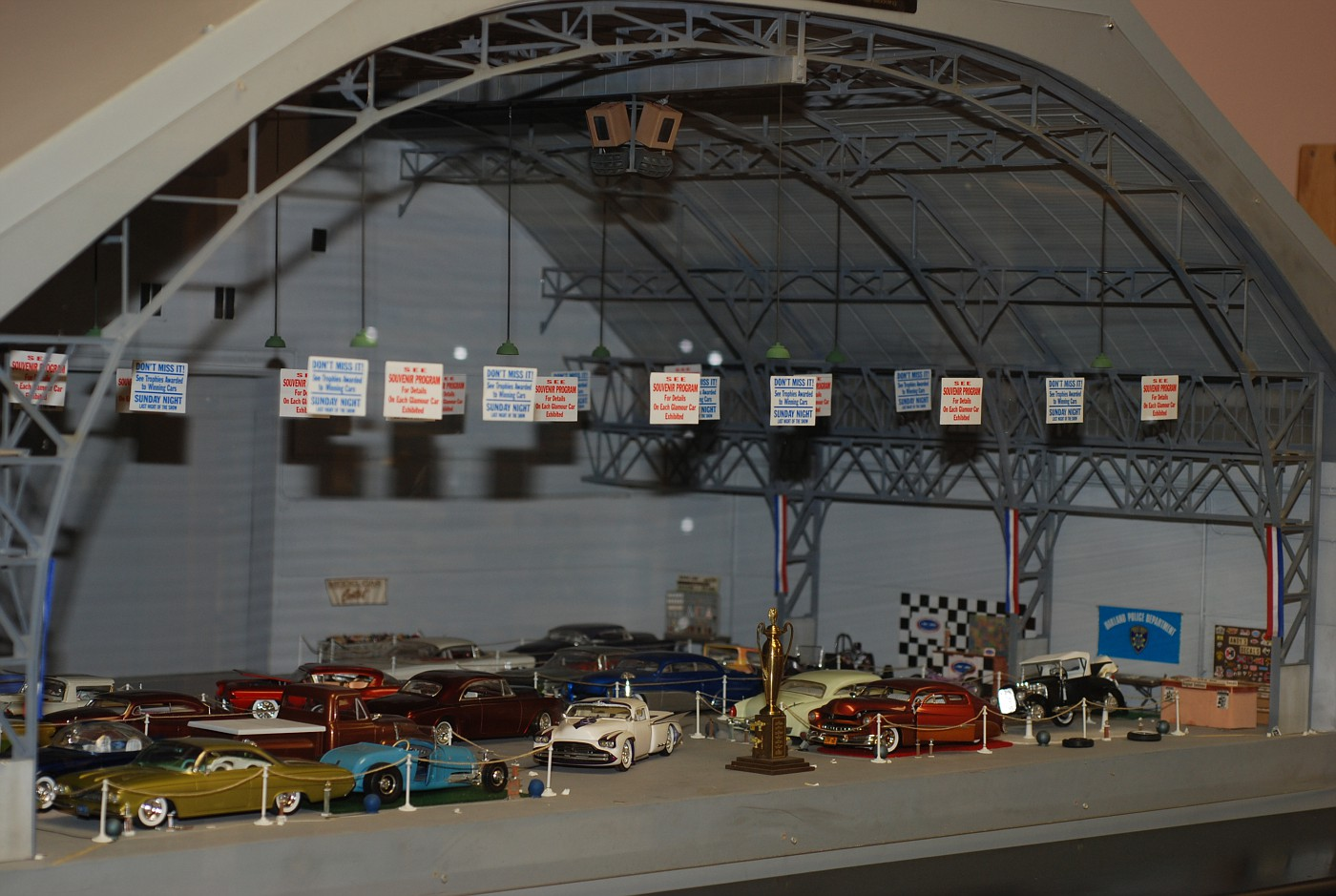 The Oakland Roadster Show Diorama...the building structure was built by Scale Auto columnist Ken Hamilton